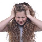 くせ毛のショート 梅雨の髪 爆発の対策は?